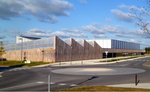 L 39 archipel complexe sportif et festif ville de laill for Piscine de la conterie